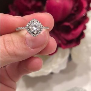 Jewelry - Beautiful 925 silver cubic zirconia ring